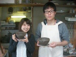 陶芸体験を仲良く楽しんで♪